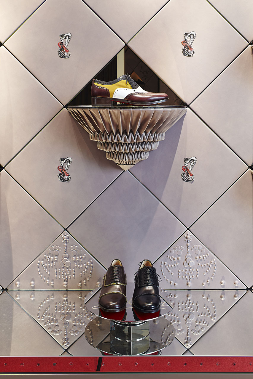 LOUBOUTIN, MEN SHOP